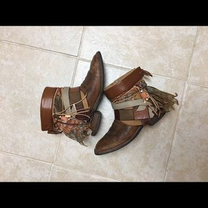 Square toe cowboy boots size 9 Ankle boots